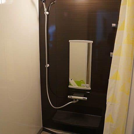 シャワー室 300円